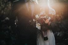 逆光唯美婚紗寫真圖片素材