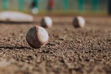 白色棒球 白色棒球大全图片