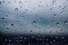 玻璃水珠朦胧背景图片素材