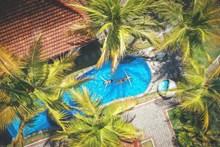 露天游泳池设计效果图图片