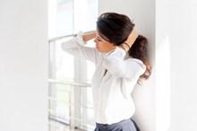 白衬衣职业美女图片下载