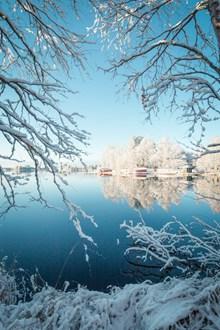 镜面湖泊唯美风景图片素材