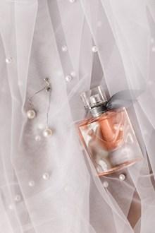 浪漫女士品牌香水图片下载