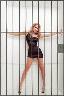 长腿美女人体写真图片下载