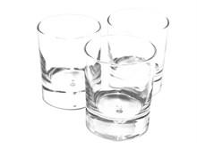 透明玻璃空杯子精美图片