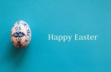 复活节彩蛋蓝色背景高清图