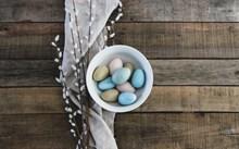 淡雅彩色彩蛋图片