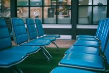 机场候坐椅子高清图片