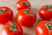 新鲜好吃的西红柿精美图片
