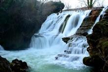 山溪流水美景高清图