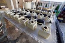 白巧克力慕斯蛋糕高清图片