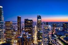 灯光璀璨唯美城市夜景高清图片