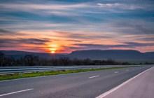 高速公路唯美风景图片下载