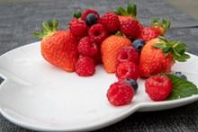 草莓树莓水果高清图