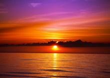海平面日落美景高清图