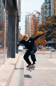 街头花样滑板运动图片大全