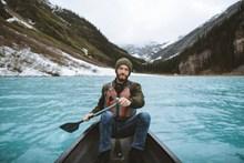 中年男人划船 外国少妇头像大全图片大全