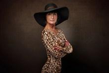 豹纹美女少妇人体摄影图片