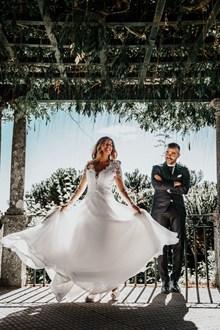 外景婚纱造型图片素材
