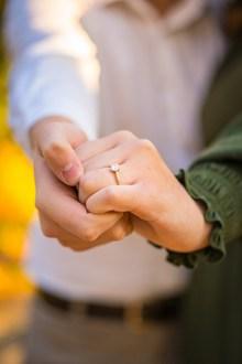 戴钻戒的手指 戴钻戒的手指大全图片素材