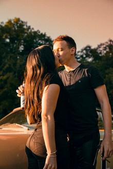 激情接吻情侣高清图片