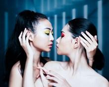 姐妹人体艺术摄影高清图