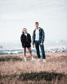 欧美风年轻情侣图片下载