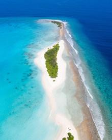 唯美蓝色大海俯视图高清图