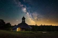 野外小屋星空高清图