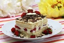 草莓提拉米苏图片下载