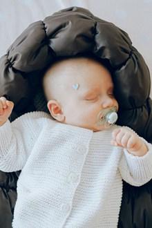 可爱婴儿睡觉图片大全