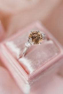 钻石戒指女款高清图片