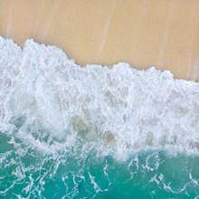 海滩潮水高清图