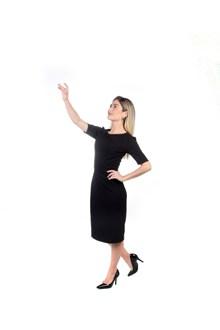 黑色连衣裙高跟鞋美女图片素材