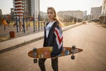 滑板女孩图片下载