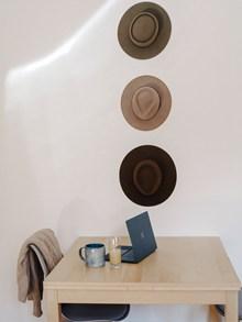 极简风室内物品陈列图图片素材