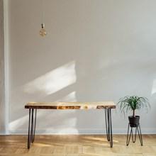 桌子与盆栽高清图片