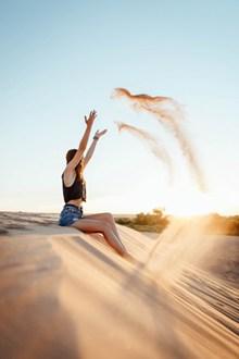 沙漠美女风景人体艺术摄影图片素材
