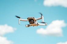 飞行器航拍仪图片素材