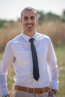白色衬衫打领带帅哥高清图片