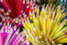 艳丽彩色铅笔高清图