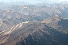 高峰山脉景观高清图