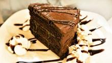 黑色巧克力蛋糕块图片下载
