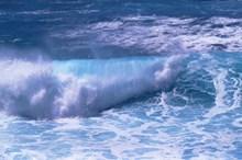 海洋大浪翻腾精美图片
