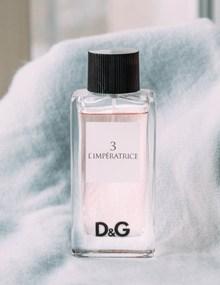 塔罗牌3号皇后香水精美图片