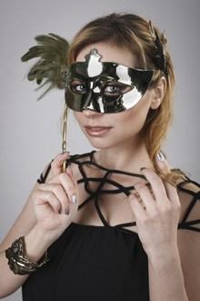 戴面具的美女高清图
