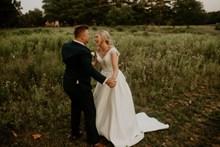 郊外婚纱摄影精美图片