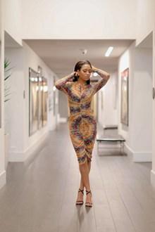 性感曲线身材美女人体写真高清图片