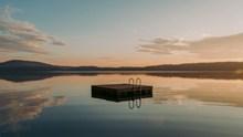 平静的湖泊精美图片
