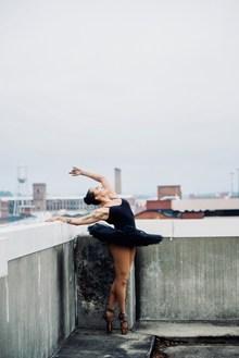天台芭蕾舞美少女高清图